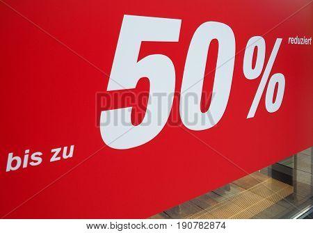 Bis Zu 50% Reduziert (up To 50% Discount)