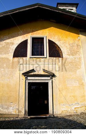 Church   The Solbiate Arno  Old   Closed Brick   Italy  Lombardy