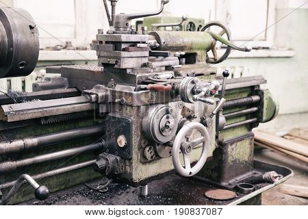 Turning machine for metalworking in shop