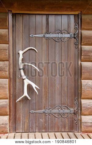 wooden doors deer antler wooden tree house