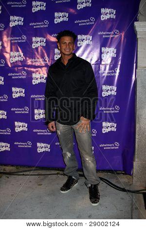 LOS ANGELES - JAN 13:  Paul Delvecchio aka Pauly D arrives at  the