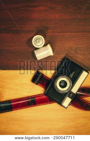 Vintage Camera On Wooden Background,old Camera, Wooden Background