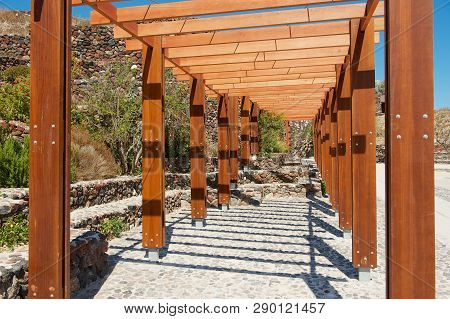 Akrotiri, Greece - August 01, 2012: Entrance To The Akrotiri Archaeological Site In Akrotiri, Greece