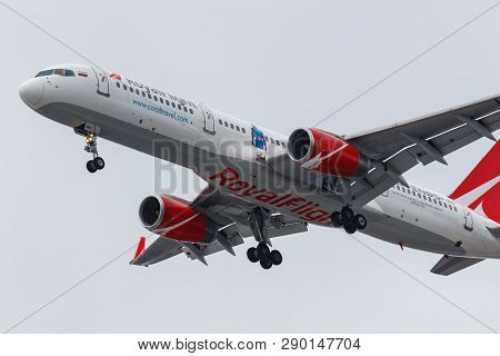 Moscow, Russia - March 17, 2019: Aircraft Boeing 757-204(wl) Vp-boo Of Royal Flight Airline Going To