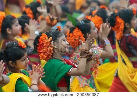 Kolkata, India - March 1, 2018 : Dancing Poses Of Bengali Girl Dancers , Dressed In Bright Sari - Tr