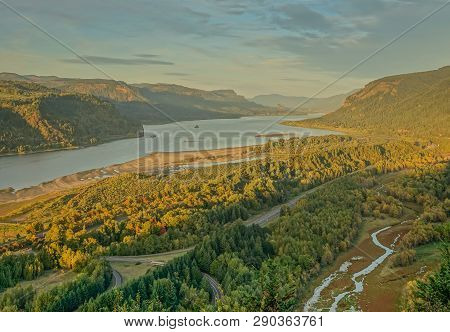Columbia River Highway, Corbett In Oregon, Usa - October 13, 2015: Panoramic View From Crown Point V