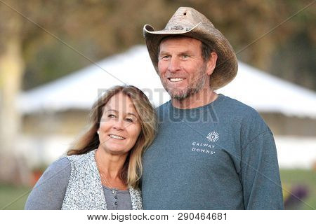 LOS ANGELES - NOV 5: Tina Smith, Ken Smith at the LeAnn Rimes concert at Galway Downs on November 5, 2017 in Temecula, California