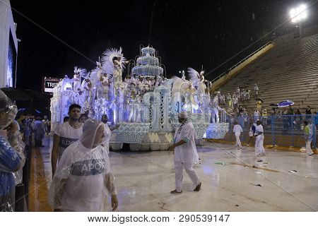 Rio, Brazil - March 01, 2019: Unidos Da Ponte During The Carnival Samba School Carnival Rj 2019, At