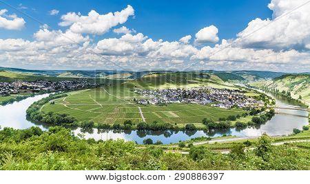 Moselle Loop At Trittenheim Rhineland-palatinate Germany Europe