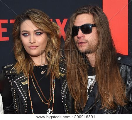 LOS ANGELES - MAR 18:  Paris Jackson and Gabriel Glenn arrives for the Netflix 'The Dirt' Premiere on March 18, 2019 in Hollywood, CA