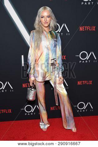 LOS ANGELES - MAR 19:  Bria Vinaite arrives for the Netflix