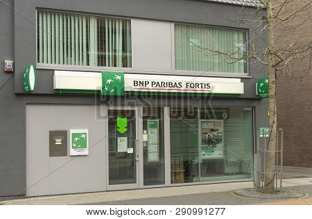 Sint Gillis Waas, Belgium-march 20, 2019, The Front Of A Bnp Paribas Fortis Office In The Village Of