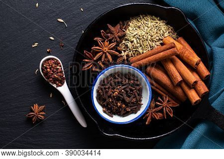 Food Concept Origin Chinese Five Spice  Star Anise, Fennel Seeds, Szechuan Peppercorns, Whole Cloves
