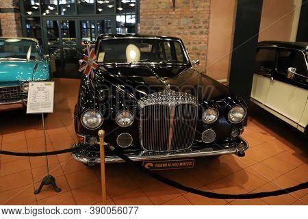 Istanbul, Turkey - September 20, 2020: 1979 Daimler Ds420 Limousine Display In Rahmi M. Koc Industri