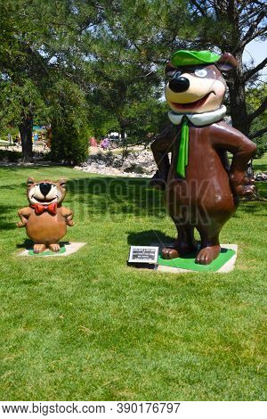 Aberdeen, South Dakota, August 7, 2020: Yogi Berra And Boo Boo Are Displayed At The Land Of Oz(story