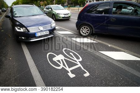 Bucharest, Romania - August 12, 2020: A Car Is Wrong Driven On A Bicycle Track On A Boulevard In Buc