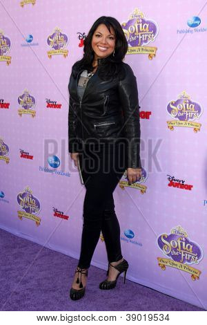 LOS ANGELES - NOV 10:  Sara Ramirez arrives at the
