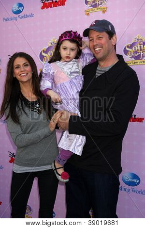 LOS ANGELES - NOV 10:  Samantha Harris, family arrives at the