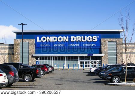 Calgary Alberta, Canada. Oct 17, 2020. London Drugs A Canadian Retail Store With Headquarters In Ric