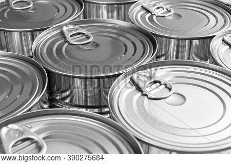 Close Up Photo Of Aluminium Cans Background With Opener. Aluminium Cans Black And White. Aluminium B