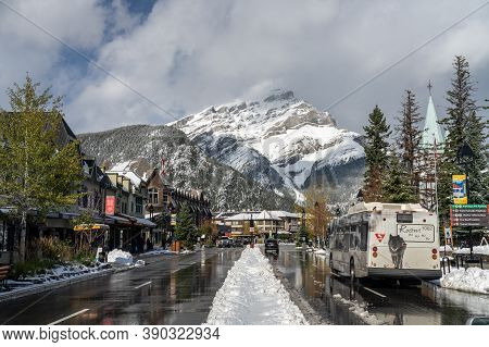 Banff, Alberta, Canada - Oct 15 2020 : Street View Of Town Of Banff. Bus Stop In Banff Avenue In Aut