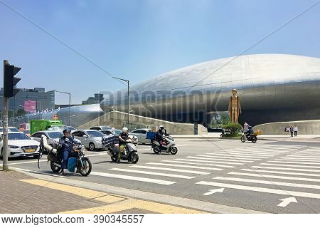 Seoul, South Korea - May 31, 2018: Seoul's Futuristic Cityscape. View Across The Busy Road To The Do