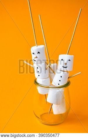 Diy White Marshmallows Sweet Treat For Kids Funny Marshmallow Christmas Snowman. Step By Step.