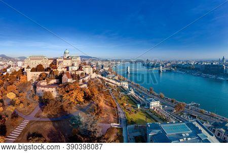 Budapest, Hungary wide panorama photo of Budavára and chainbridge in autumn.