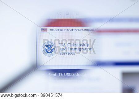 New York, Usa - 29 September 2020: Uscis.gov Us Citizenship And Immigration Services Company Website