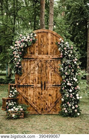 Wedding Decor, Large Wooden Loft Style Gates Are Used In Off-site Wedding Ceremony, Wedding Day, Woo