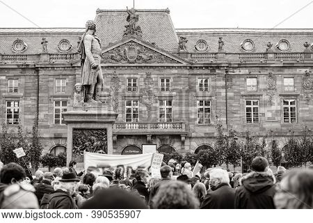 Strasbourg, France - Oct19, 2020: Crowd Gathered At The Place Kleber To Pay Tribute To History Teach