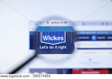New York, Usa - 29 September 2020: Wickes Wickes.co.uk Company Website With Logo Close Up, Illustrat