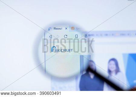 New York, Usa - 29 September 2020: Recruit.co.jp Recruit Company Website With Logo Close Up, Illustr