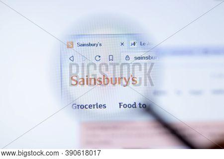 New York, Usa - 29 September 2020: Sainsburys Sainsburys.co.uk Company Website With Logo Close Up, I