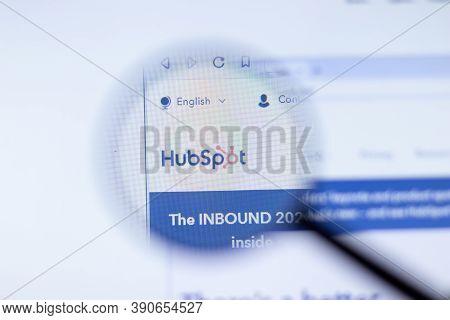 New York, Usa - 29 September 2020: Hubspot Company Website With Logo Close Up, Illustrative Editoria