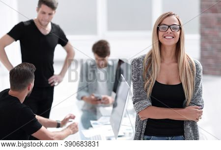 serious woman crossing his arms