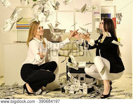 Buy Franchise. Girls Achieved Success And Financial Independence. Strategies To Boost Income. Succes