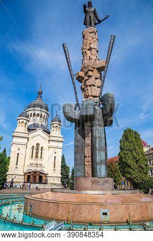 Cluj-napoca, Transylvania, Romania - September 20, 2020: The Statue Of Avram Iancu In The Square Wit