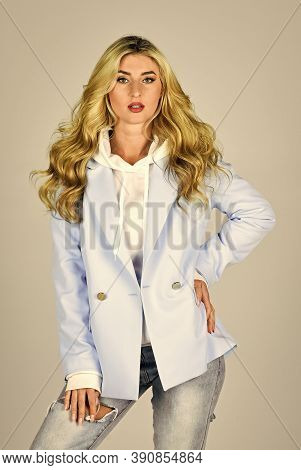 Pretty Woman Layered Outfit. Spring Fashion Trend. Fashion Outfit. Oversize Jacket. Classy And Chic.