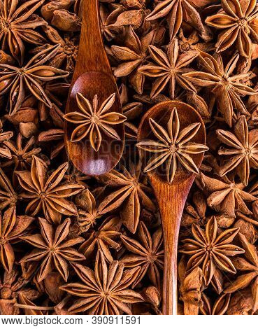 Star Anise Pods  With Wooden Spoons.indian Spices