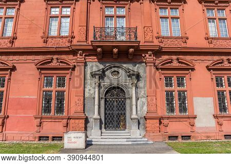 Mainz, Germany - August 04, 2019: Door In The Pink Wall Of The Palace In Mainz, Germany