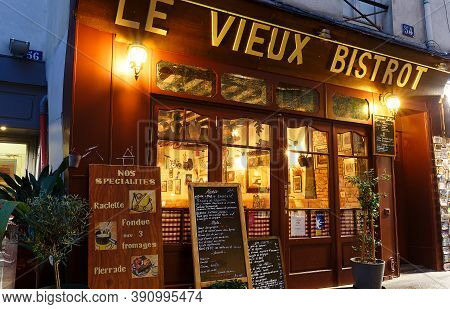 Paris, France-october 20, 2020 : Le Vieux Bistro Is Lovely Little Restaurant Located On Rue Mouffeta