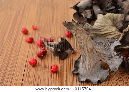 Dry Horn Of Plenty Mushroom