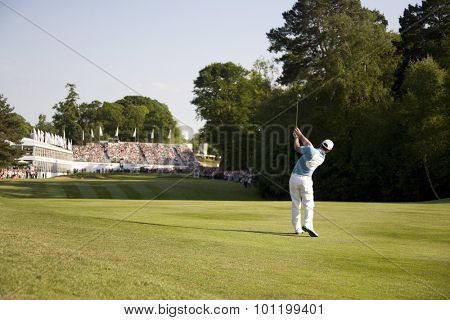 WENTWORTH, ENGLAND. 24 MAY 2009.Paul Casey (GBR) on the approach to the 18th playing in the final round of the European Tour BMW PGA Championship