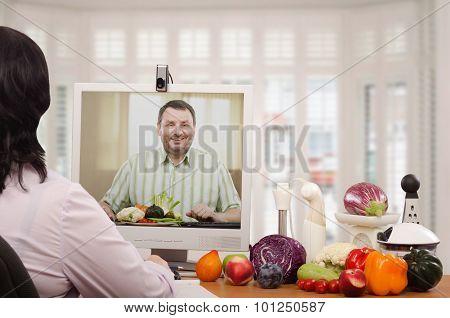 Certified Nutrition Coach Working In Internet