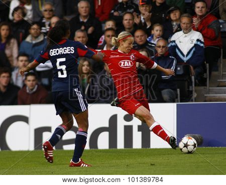 LONDON, ENGLAND. 26 MAY 2011 Potsdam's midfielder Viola Odebrecht crosses thge ball  during the 2011UEFA Women's Champions League final between FFC Turbine Potsdam and Olympique Lyonaise