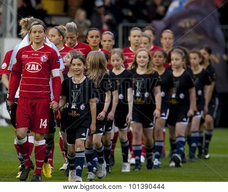LONDON, ENGLAND. 26 MAY 2011 Potsdam's midfielder Jennifer Zietz (captain) leads the team out for the 2011UEFA Womens Champions League final between FFC Turbine Potsdam and Olympique Lyonaise