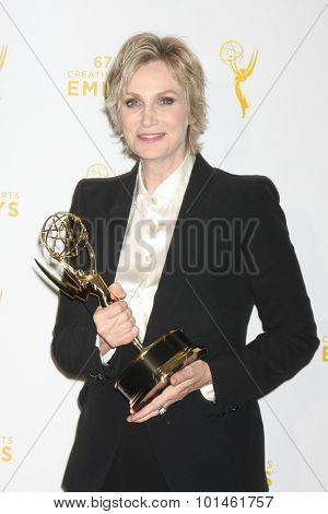 vLOS ANGELES - SEP 12:  Jane Lynch at the Primetime Creative Emmy Awards Press Room at the Microsoft Theater on September 12, 2015 in Los Angeles, CA