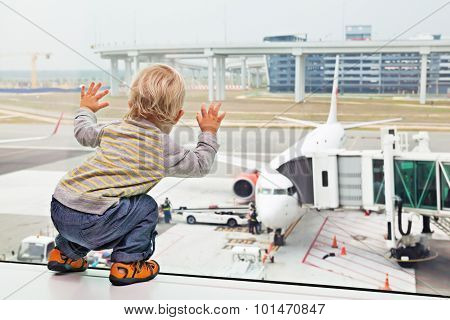 Child, Airport, Travel, Baby, Family, Vacation, Gate, Boy, Airplane, Plane, Aircraft, Passenger, Boa