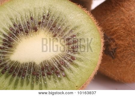 Cut Kiwi